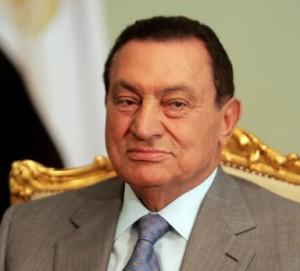 Mubarak ad un mese dal processo rivela di avere un tumore allo stomaco
