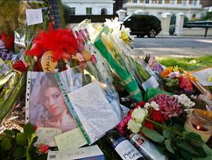 Amy Winehouse morta, per la madre era solo questione di tempo