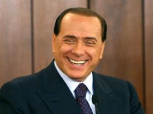 Silvio Berlusconi operato alla mano destra