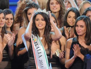 Miss Italia 2011 è Stefania Bivone, foto e video