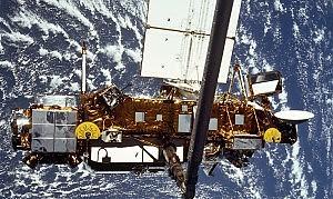 Satellite Uars, scende rischio d'impatto per l'Italia