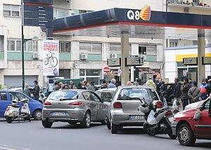 Benzinai aperti a Catania, revocata la chiusura