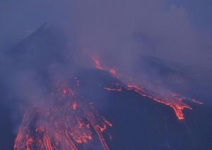 Etna, immagini e video nuova eruzione 1 aprile 2012