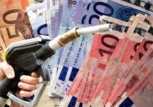 Benzina: il governo, causa terremoto, aumenta le accise