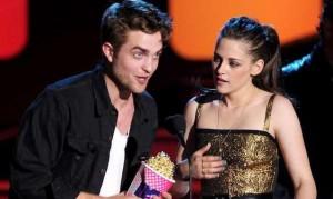 Twilight Breaking Dawn Parte 2: a due settimane dall'uscita parlano 'Edward e Bella'