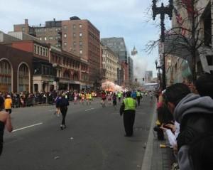 Bombe alla Maratona di Boston: 3 morti e oltre 140 feriti, 23 in gravi condizioni