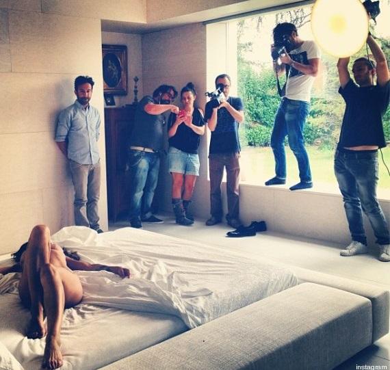 Elisabetta canalis fa impazzire i fan con uno scatto hot - Impazzire a letto ...