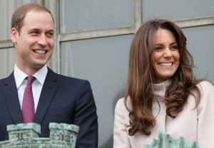 Royal baby, è nato e pesa 3,8 kg: un maschio per William e Kate