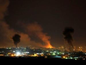 Gaza, ancora raid, colpiti una scuola e un mercato