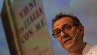 Lo chef Massimo Bottura presenta 'Vieni in Italia con me'