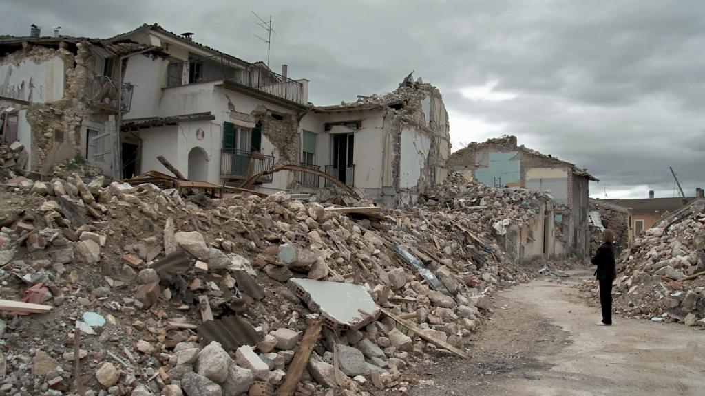 Terremoto L'Aquila: i sette esperti tutti assolti, e Bertolaso attende