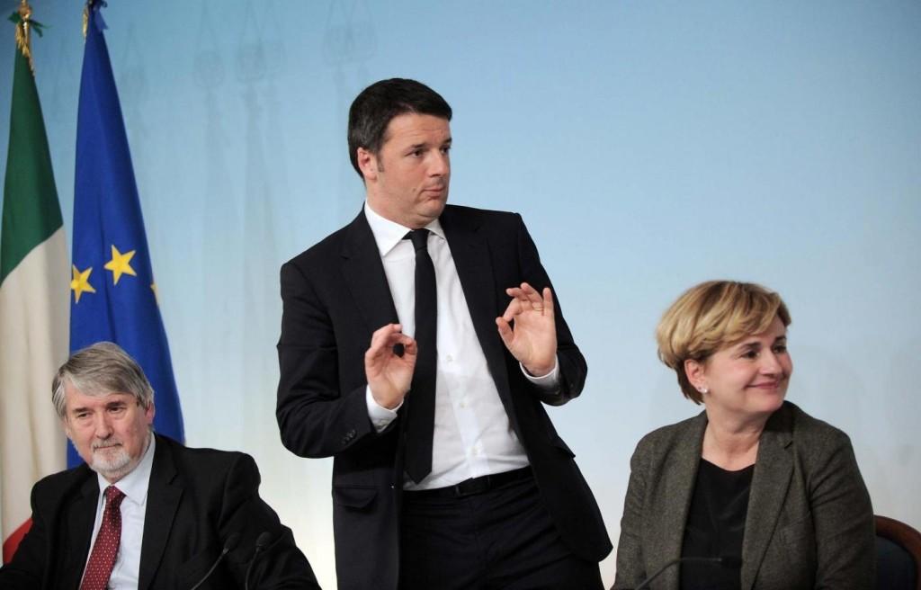 "Jobs Act: varati i decreti attuativi, Renzi: ""Giornata storica"". Critiche dai sindacati"