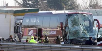 Grave incidente stradale sulla A4: coinvolte 50 persone, un ferito