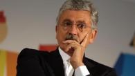 """D'Alema accusa Renzi: """"La gestione del Pd è personale e arrogante"""""""