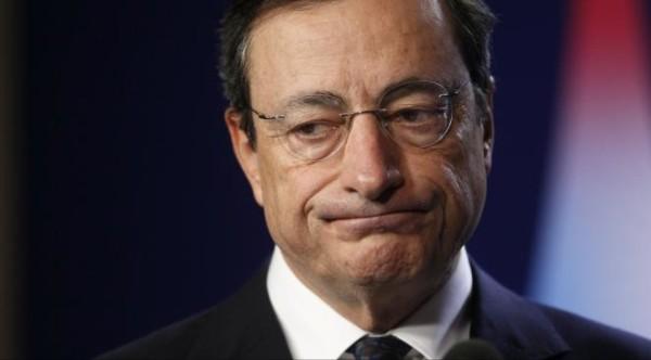 """Conferenza Bce: Draghi """"aggredito"""" da manifestante """"Blockupy"""""""