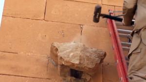 L'Isis torna a distruggere statue: abbattuto il Museo di Hatra