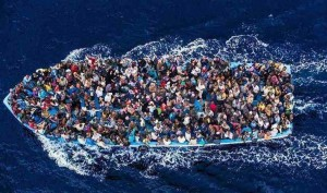 Tragedia nel canale di Sicilia: si temono oltre 700 morti