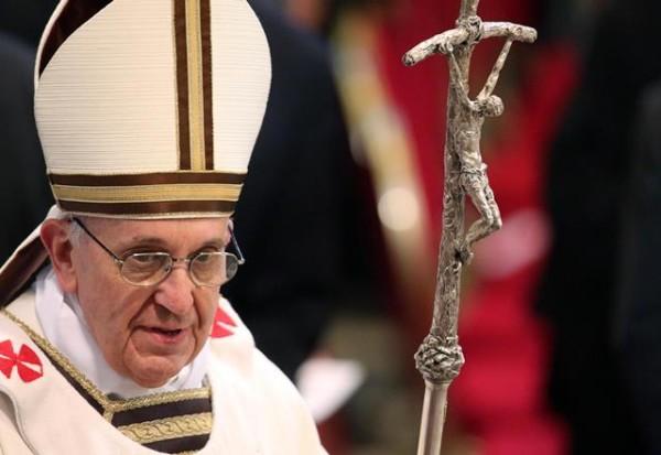"""Papa ai sofferenti Caritas: """"Inginocchiarsi davanti a un povero"""""""