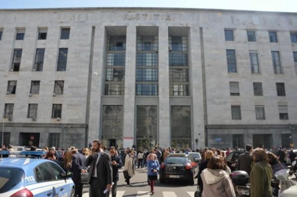Milano: spari all'interno del tribunale, 3 morti. Killer arrestato
