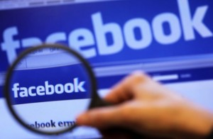 """Cassazione: il capo può spiare i dipendenti """"sospetti"""" su Facebook"""
