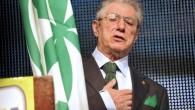 Pm chiede 18 mesi di reclusione per Bossi, offese Napolitano