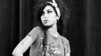 Amy Winehouse: padre boccia il biopic e annuncia un nuovo film