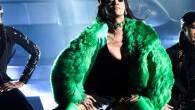 "Rihanna sexy/splatter nel nuovo video ""Bitch better have my money"""