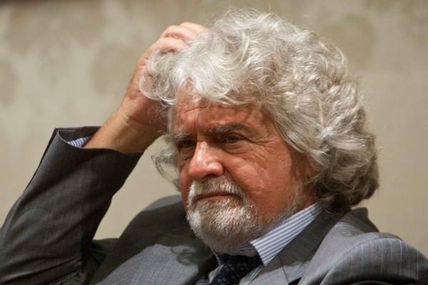 """Grecia, politici italiani, Grillo: """"Colpo di Stato"""", Salvini: """"Buffonata"""""""