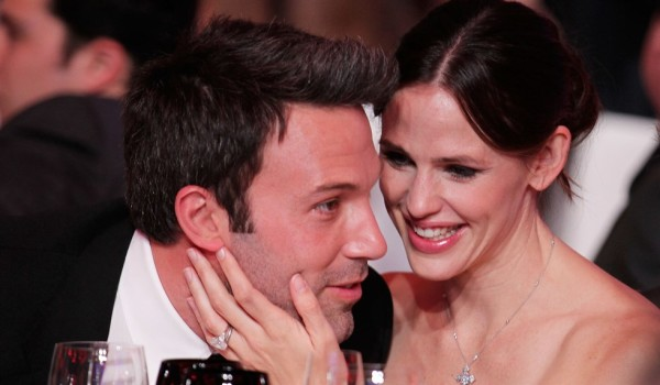 Ben Affleck divorzia da Jennifer Garner, tradita la moglie con la tata