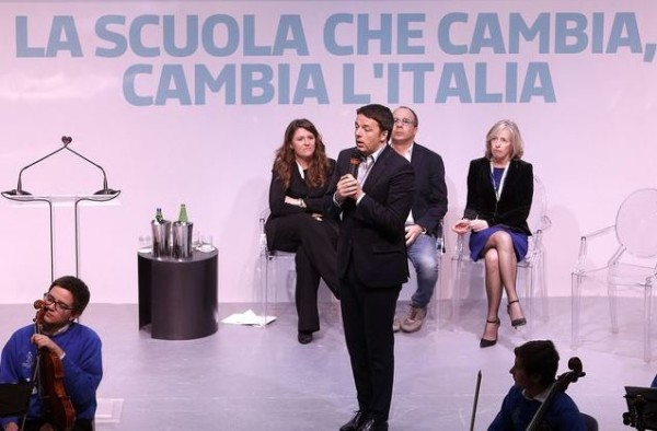 """Renzi: """"Con la Buona Scuola 71mila avranno la possibilità di coronare un sogno"""""""