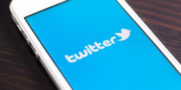 Twitter prova a rilanciarsi con le news dopo il flop a Wall Street