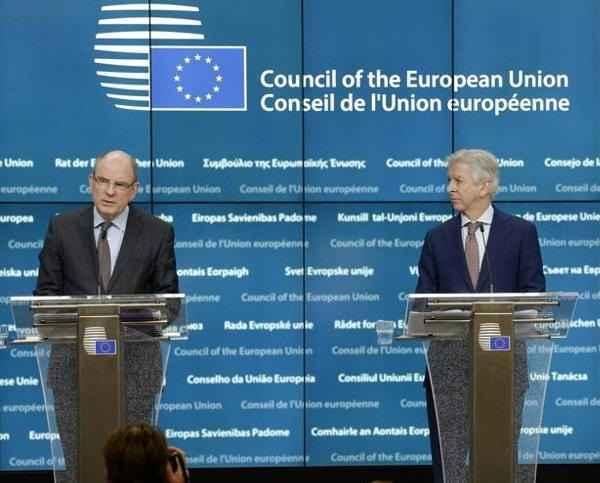 Terrorismo, Parlamento Ue: approvata la misura di un registro dei passeggeri aerei