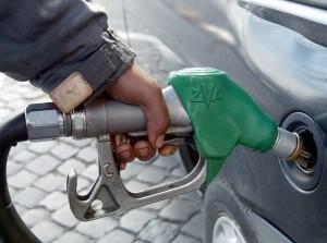 Olanda, rivoluzione ambientale: governo propone addio alle auto a benzina dal 2025