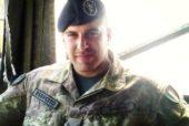 """Caso suicidio militare Tony Drago, la madre: """"Mai creduto che mio figlio si sia suicidato"""""""