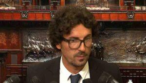 """Toninelli (M5S): """"Salvini? Non c'entra niente con noi, inizi a fare pulizia nella Lega"""""""