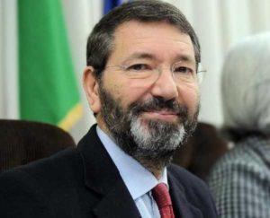 """Roma, ex sindaco Marino: """"Grazie al mio lavoro nuovi cassonetti e autobus"""""""