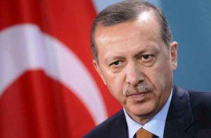 """Turchia, Erdogan inizia a fare sul serio: """"Estenderemo lo stato d'emergenza"""""""