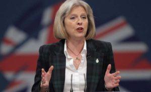Brexit, Theresa May smentisce Cameron: pratiche d'uscita previste per fine anno