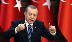 "Turchia, post golpe: ritirati 50mila passaporti. Erdogan: ""Occidente non s'intrometta"""