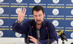"""Matteo Salvini, intervista-comizio: """"Molliamo in mezzo al bosco gli immigrati"""""""