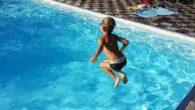 Vademecum per la piscina: come proteggersi dai germi