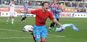 gomez-gol-catania-inter-09-01-2011