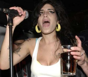 Amy Winehouse: si torna in clinica