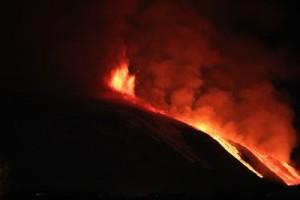 Catania, Etna: nuova eruzione ma nessun disagio per i voli