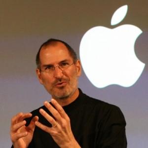 Steve Jobs si dimette da Apple e arriva la prima biografia