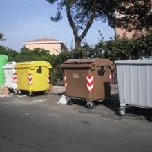 Catania, comune sigilla cassonetti marroni per la differenziata