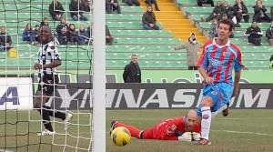 Udinese - Catania 2-1, il gol di Lodi arriva troppo tardi