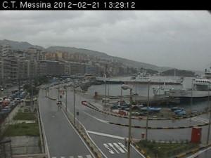 Maltempo Sicilia: deraglia un treno regionale Messina-Catania