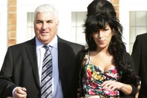Amy Winehouse: il padre svela droga e inferno della figlia con Blake