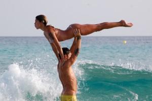 Belen Rodriguez e Stefano De Martino in 'Dirty Dancing', e Parpiglia li difende